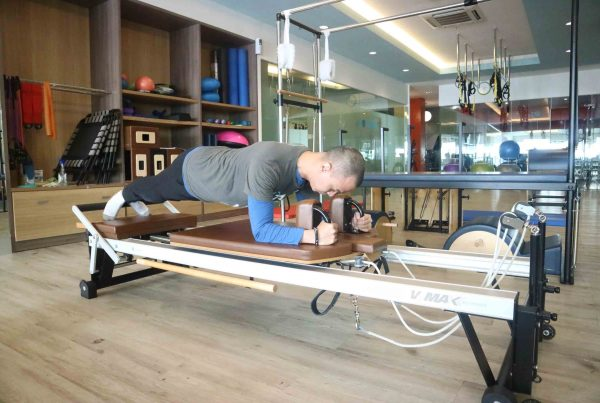 pilates strengthens core muscles
