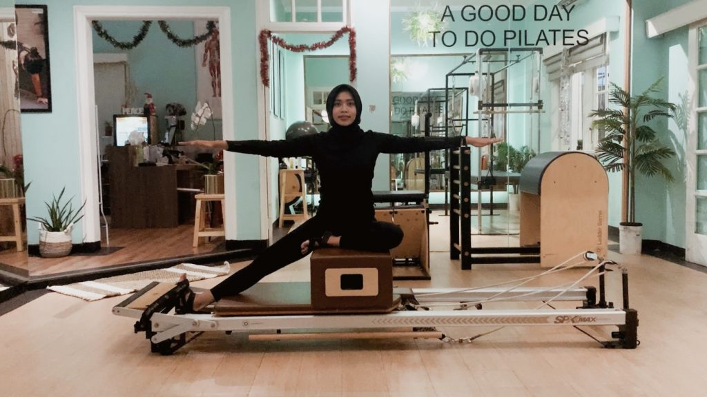 perbedaan pilates dengan yoga - isometric pilates